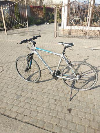 Продам немецкий велосипед Focus Cross
