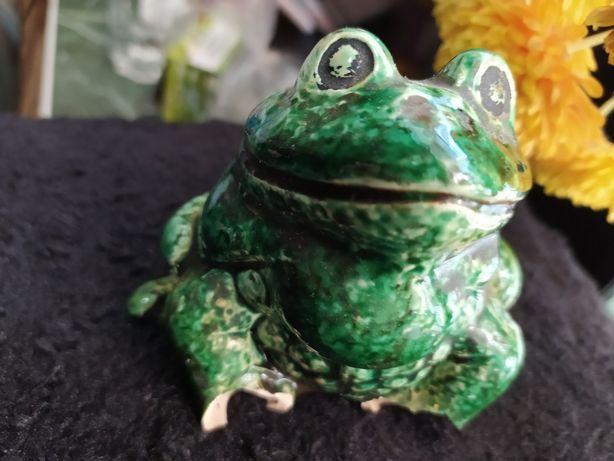 Продам статуэтку жабу