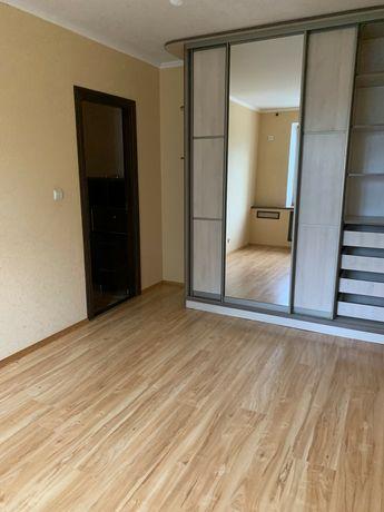 Продам 2 кімн.кв в цегляному будинку .вул. Студентська