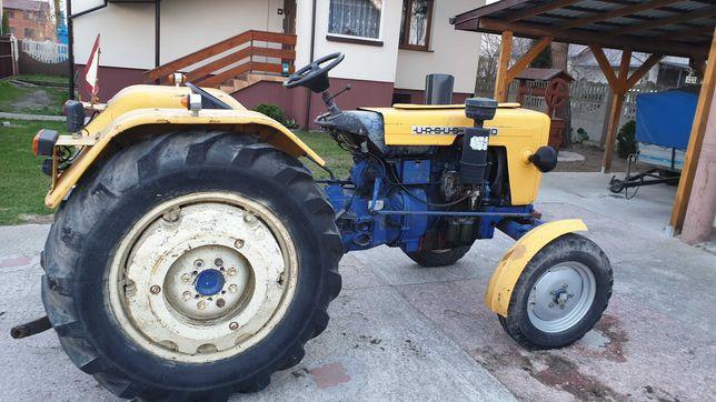 Ciągnik rolniczy c330