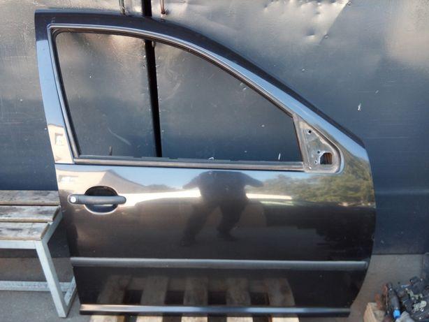 VW Golf IV 4 Bora - Drzwi przód przednie prawe kpl. LC9Z