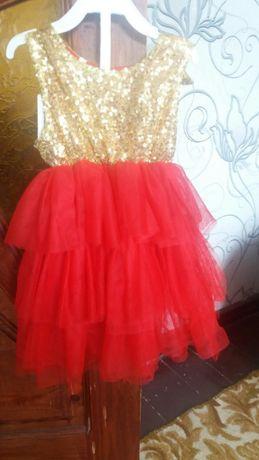 Плаття дитяче золотисто-червоне на 2 роки