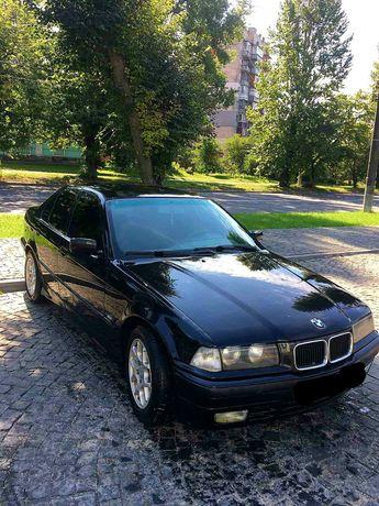 Продам BMW 320 1994 (чорний колір)
