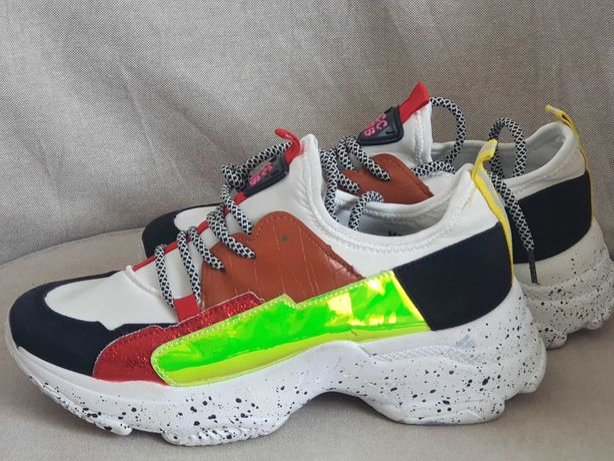 Modne kolorowe sneakersy damskie