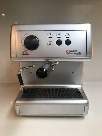 Máquina de café Nuova Simonelli Oscar