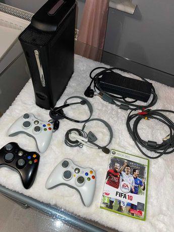 Xbox 360 Elite 120 gb. 3 pady , słuchawki , komplet przewodów , gry