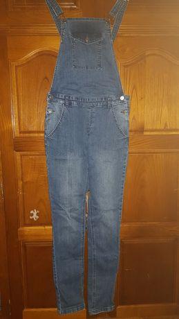 Jardineira/Macacão jeans feminino