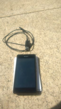 Telemovel Sony D2105