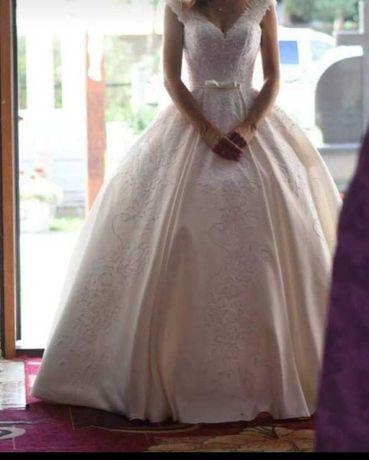 Весільне плаття 42-46