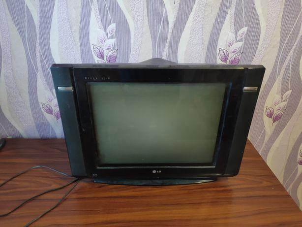 "Продам телевизор LG 19' + тв приставка ""Т2"""