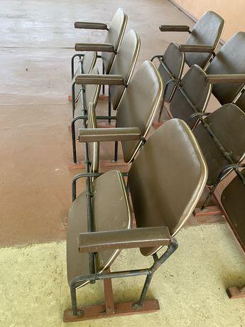 Кресла откидные
