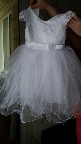 Срочно продам нарядное,выпускное детское платье