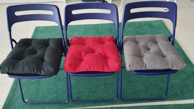 Sprzedam krzesla niebieskie Nisse Ikea w zestawie z poduszka