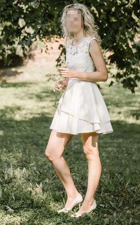 Sukienka rozm. 36 koronka falbanki kremowa wesele, chrzest