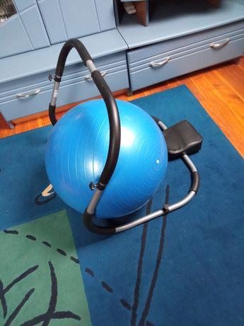 Urządzenie do ćwiczeń brzuszków.