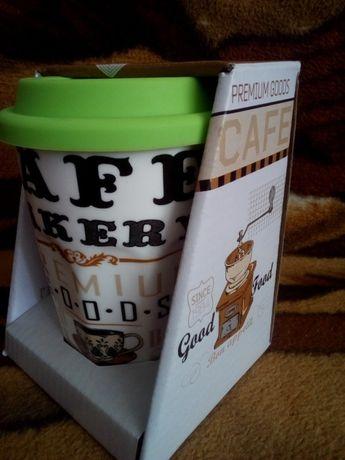 Керамічна чашка з силіконовою кришкою