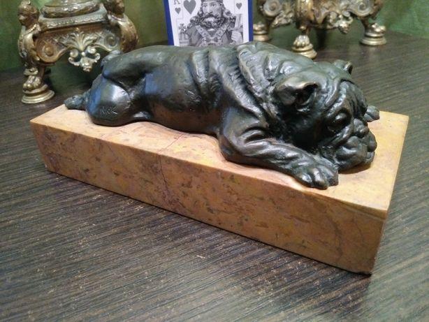 Продам статуэтку Бульдог бронза
