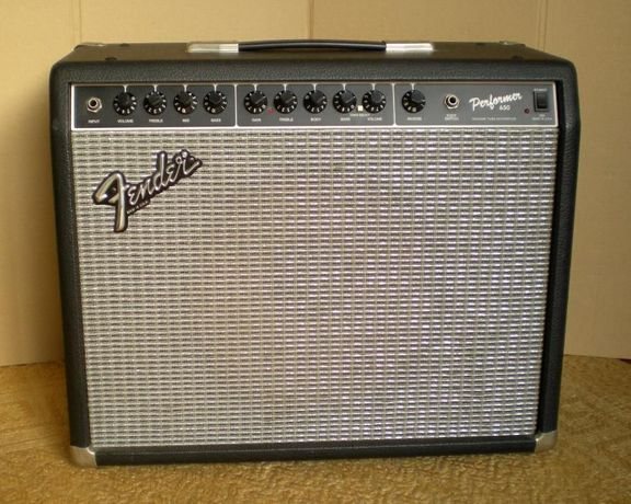 Amplificador Fender Performer 650