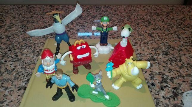 Bonecos brinquedos