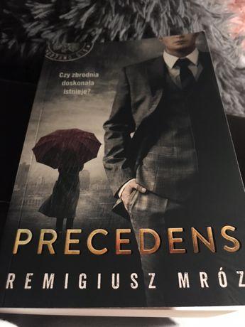 """Remigiusz Mróz """" Preceden"""""""