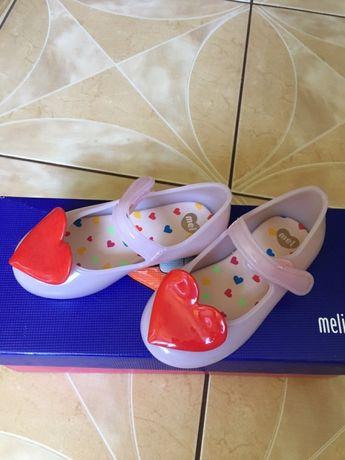 Туфельки Melissa.
