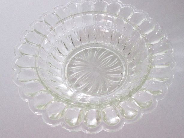 mała szklana miseczka jak kryształ z PRL