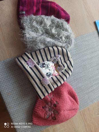 Oddam czapki zimowe 4 latka