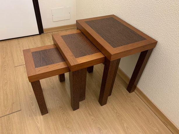 Mesas de apoio de madeira