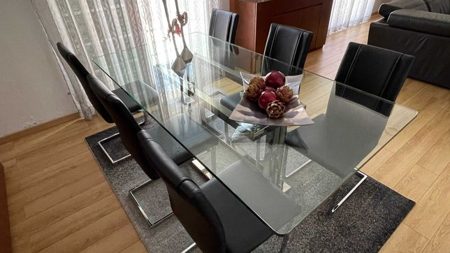 Mesa de Sala em vidro e base em Inox - Oportunidade