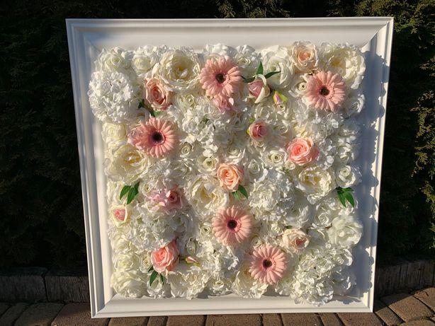 Obraz z kwiatów w białej ramie/kwiatowy obraz