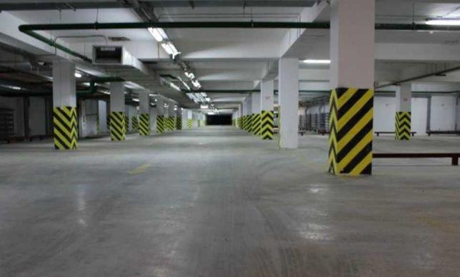 Срочно продам паркоместо в подземном паркинге Гушкова 9-В