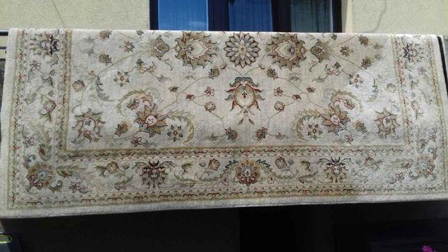 dywan wełniany 2,5x3,5m, stan idealny 500zł
