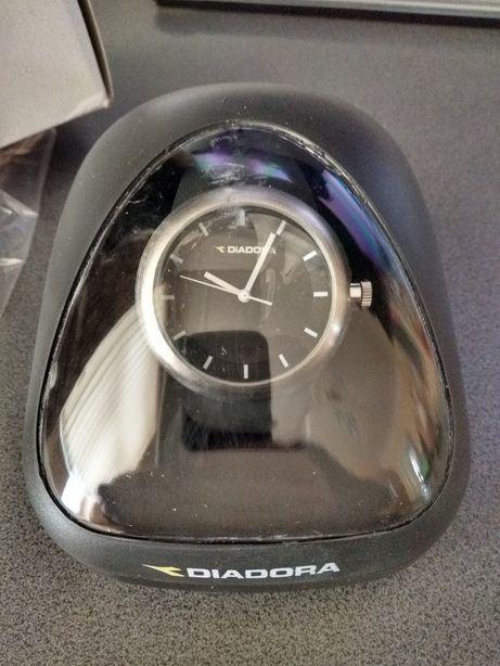 Sportowy zegarek Diadora
