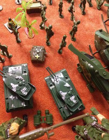 Солдатики набор детский для мальчиков большой с картой вертолетами