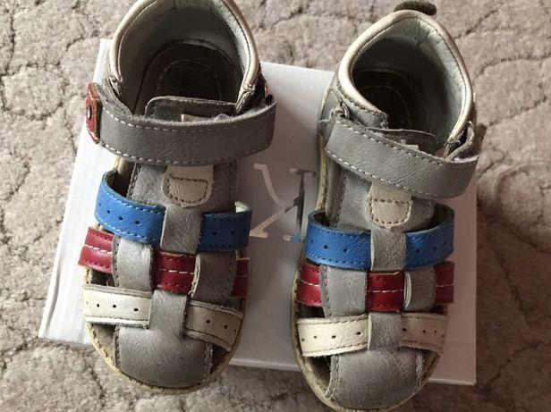 Sandałki skórzane dla chłopca