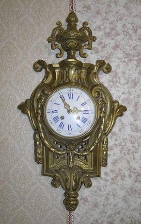 Старинные, настенные бронзовые часы с боем.