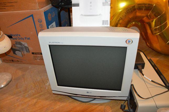 Monitor FLATRON 17 cali, drukarka atramentowa