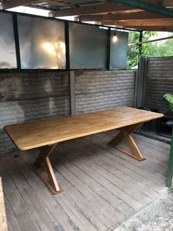 Стол и диван из натурального дерева