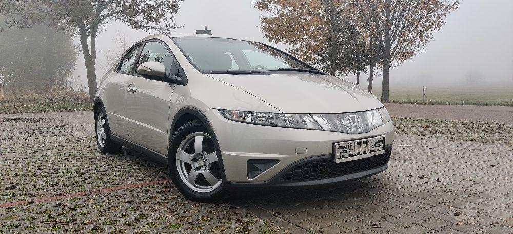 Honda Civic VIII 1.8 i-VTEC 6MT Elbląg - image 1