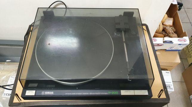 Gramofon Yamaha P-200