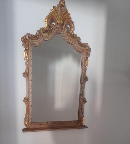 Credencia e espelho