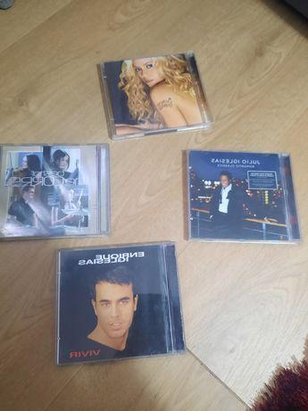 4 CDS de música como novos hoje 2 euros todos