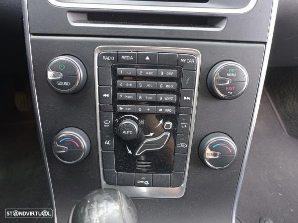 Radio Volvo V60 I (155, 157)