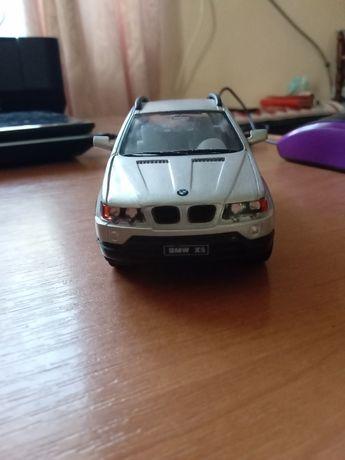 Продам модель автомобіля BMW X5
