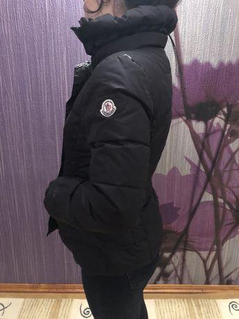 Куртка женская MONCLER. Размер М