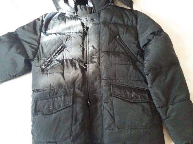 Продам зимнюю фирменную куртку Турция