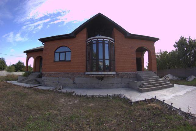 Продам добротный дом в пгт. Подгородное в экологически чистом районе.