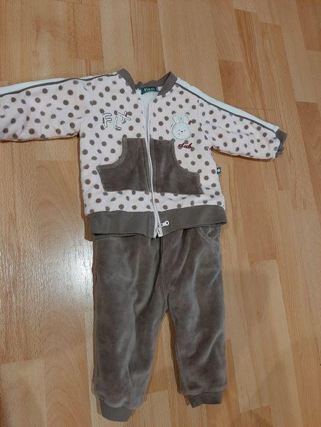 Костюм костюмчик для дівчинки (весна,осінь, зима) 0-9 місяців, ріст 74