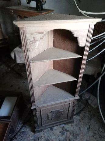 Armário de canto antigo