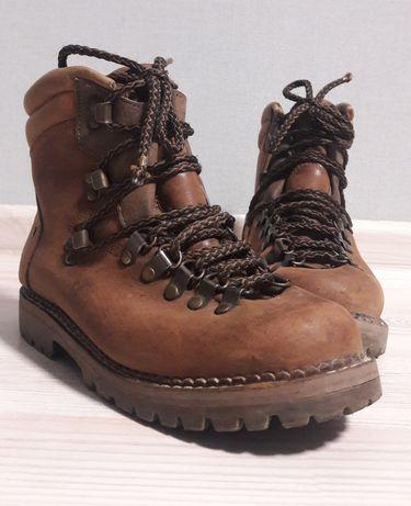 Коричневые ботинки Trekking
